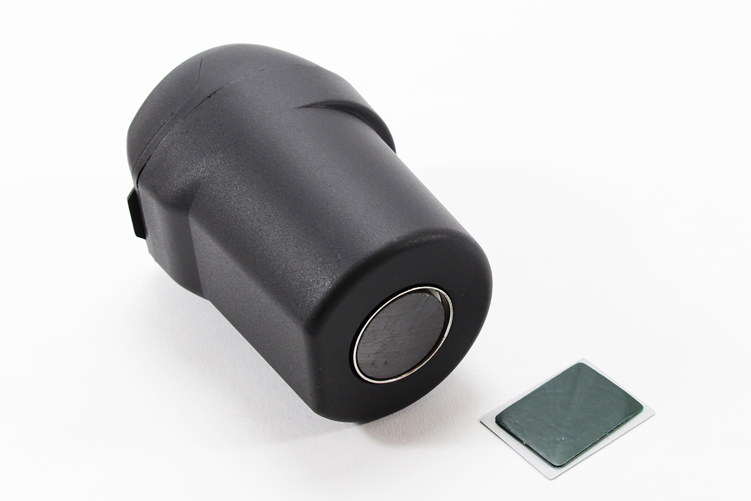 aschenbecher mit magnet f r auto b ro zuhause unterwegs. Black Bedroom Furniture Sets. Home Design Ideas